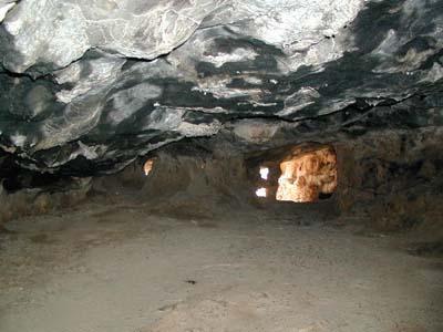 9milatos_cave.jpg