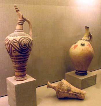 Pottery of different styles found at Akrotiri